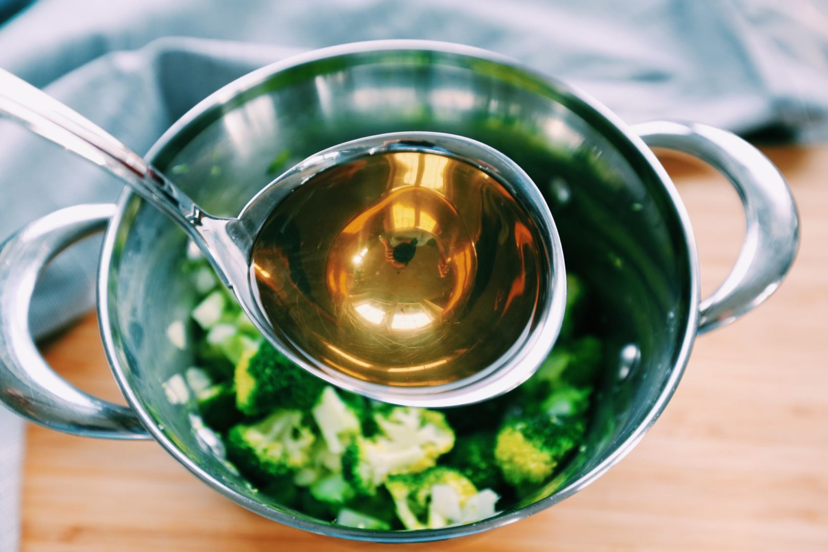 Zeleninovy vyvar plny mineralov