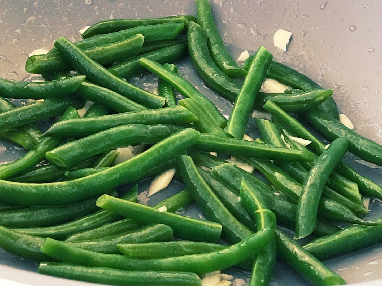 Vo woku restované zelené fazuľky