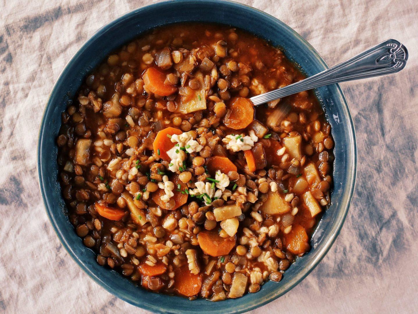 Výživná aneodolateľne dobrá šošovicová polievka